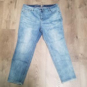 Light wash skinny jeans Avenue Ladies Plus size 18
